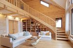 Чем покрасить деревянный дом изнутри – советы по выбору лакокрасочных покрытий